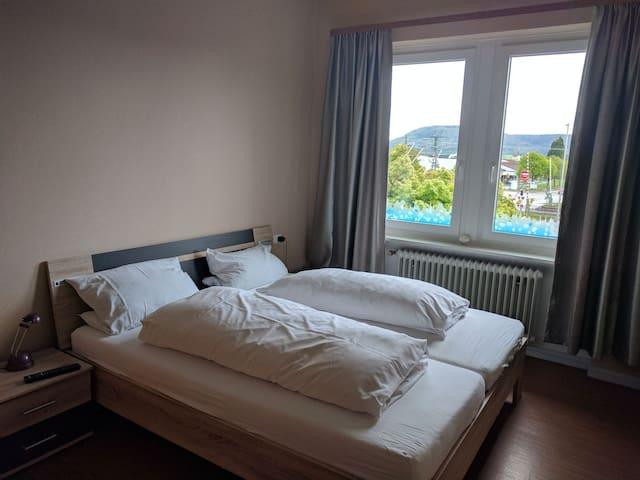 Schönes Hotelzimmer ggü.vom Bahnhof - Klettgau, Baden-Württemberg, DE - Casa