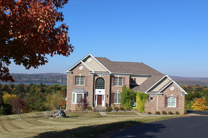 Hudson Valley Country Living With Amazing Views - Wappingers Falls - Hus