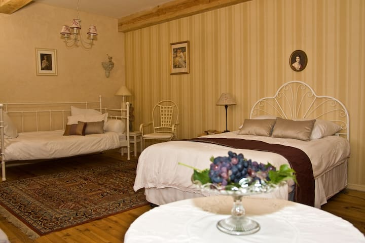 Peaceful bed and breakfast near Carcassonne - Alaigne - Oda + Kahvaltı