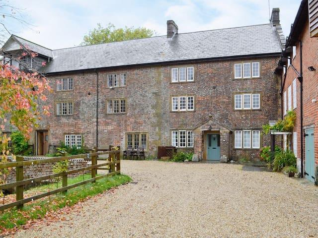 Mill House, Maiden Newton, Dorset - Maiden Newton