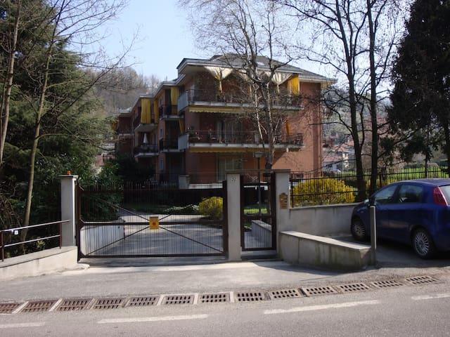 mansardina in zona collinare - Torino - Apartemen