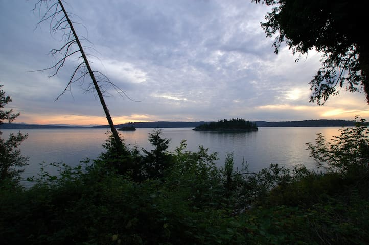 La Conner Cabin Waterfront Retreat - La Conner - Cabaña