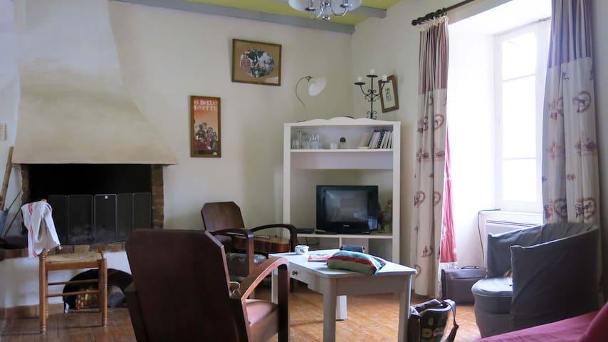 Maison chaleureuse pour 6 personnes - cheminée - Vignec