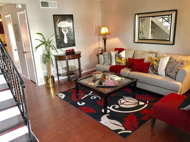 Private luxurious condo w/comforts of home - Albuquerque - Appartement en résidence