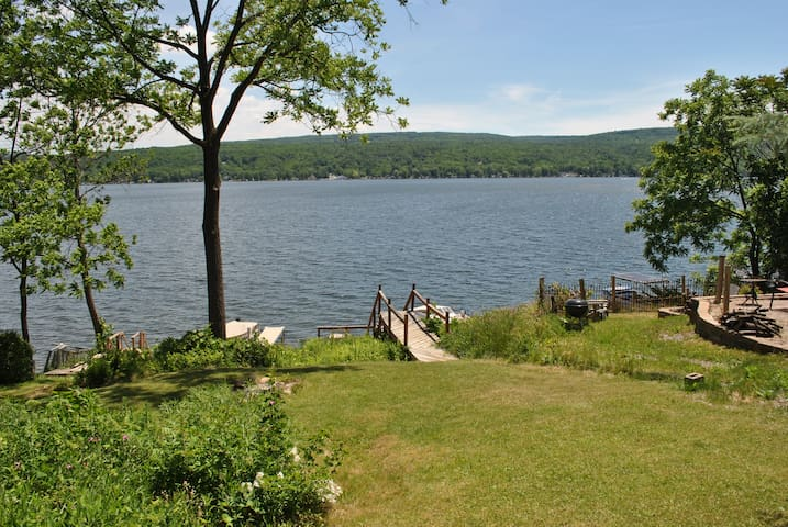 Waterfront cottage on Honeoye Lake, stunning view - Honeoye