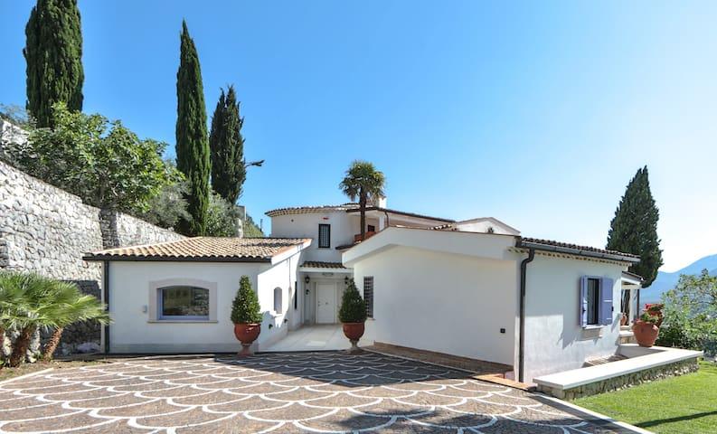 Villa con piscina tra Napoli e Gaeta - Ausonia