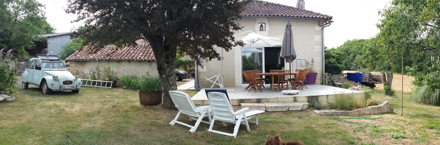 Maison de campagne 8 pers,150 m2, 7km Brantôme - Champagnac-de-Belair - Hus