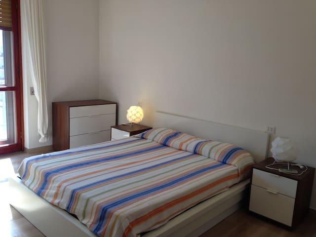 Lively and spacious flat - San Donato Milanese - Leilighet
