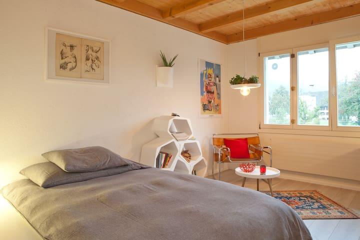 Haus Birsig   -   Bed & Breakfast - Rodersdorf - Bed & Breakfast