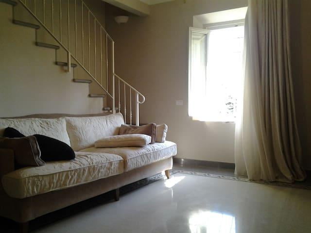 Beautiful flat in historic villa - Serravalle Pistoiese - Leilighet