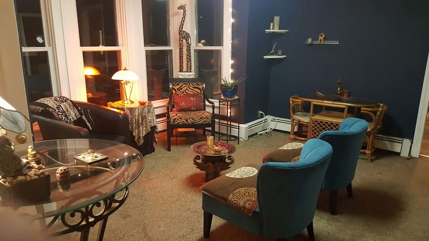 Cozy Private Bedroom Close to Everything! - Evanston