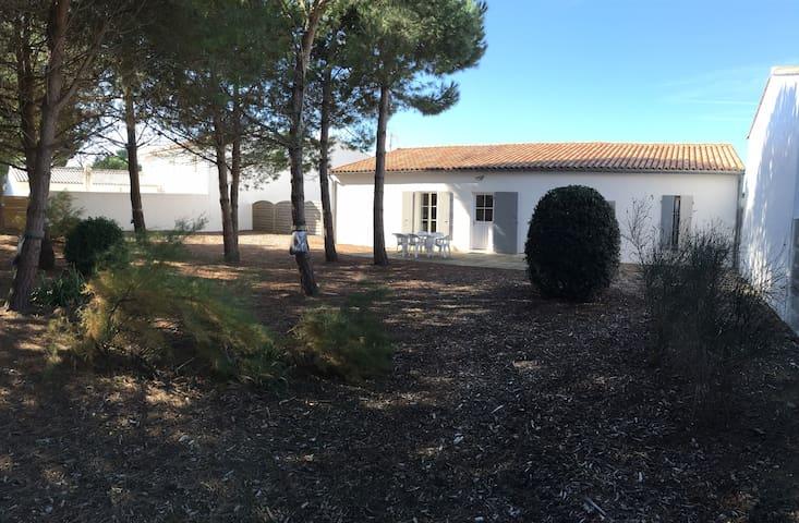Maison située 500 m de la plage au Bois Plage - Le Bois-Plage-en-Ré