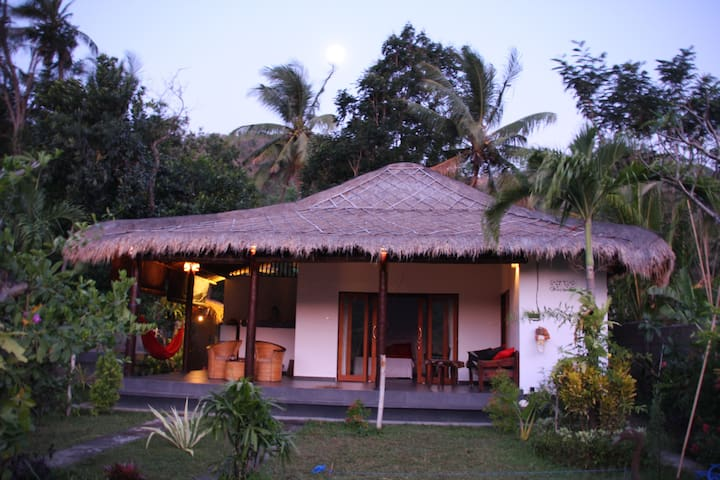 Ricefield bungalow authentic modern & private pool - Abang - Casa