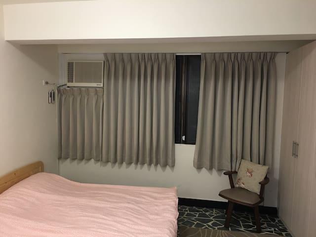 Spacious Studio Apartment, 5 mins to Ximending - 台北市 - Leilighet