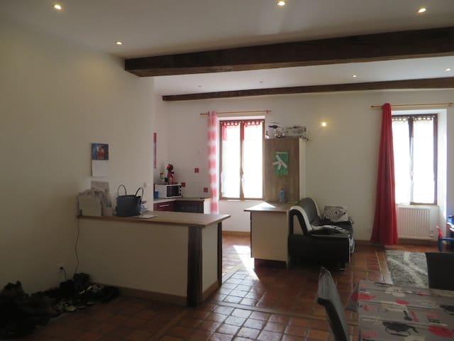 T3 centre Cluny - Cluny - Lägenhet