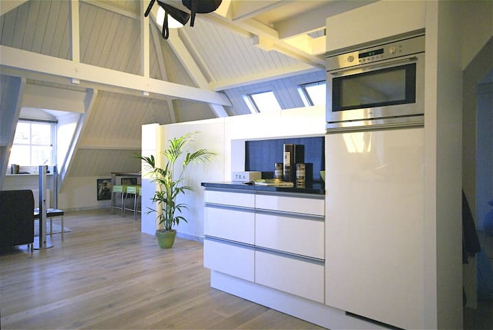Luxurious Penthouse right in the city center! - Kampen - Appartement