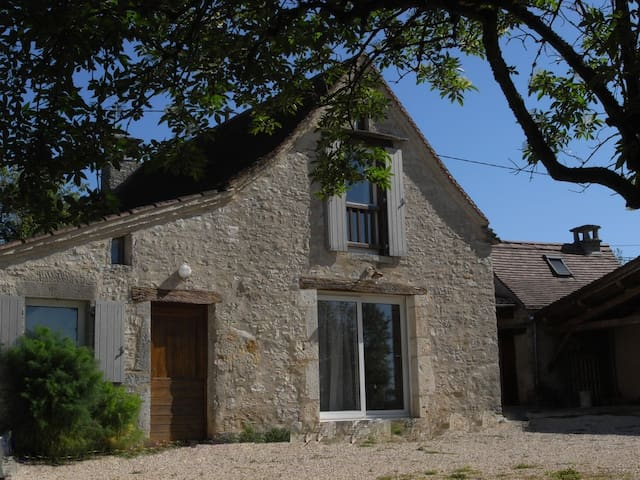 Independant house in a typical farmhouse in Quercy - Saint-Martin-Labouval - Casa