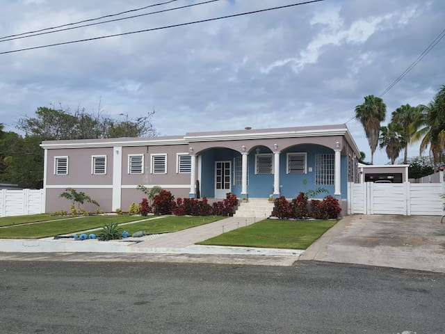 Your home away from home in PR - Hatillo - Talo