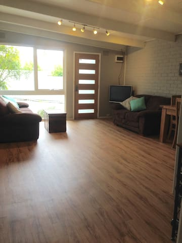Renovated unit, close to everything in Ringwood - Ringwood - Wohnung