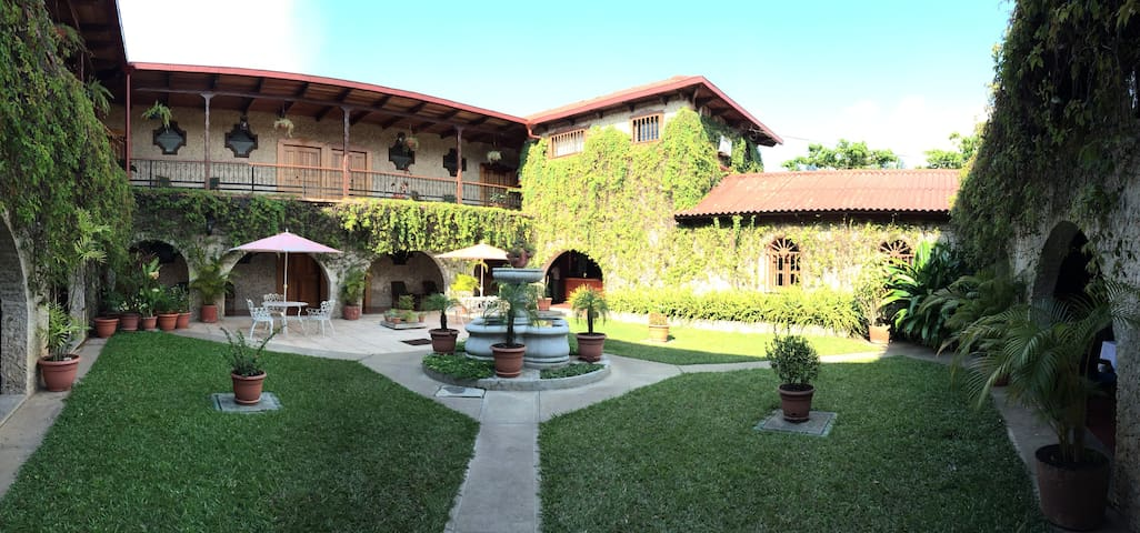 Nice room at Hotel Del Patio - Flores
