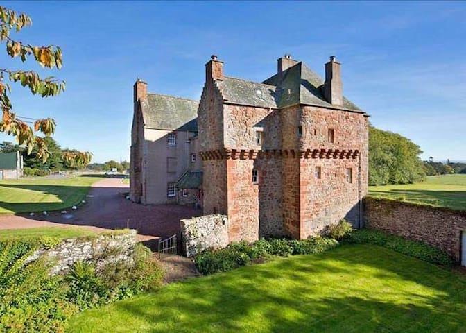 Historic Scottish Borders Castle - Gordon - Kastil