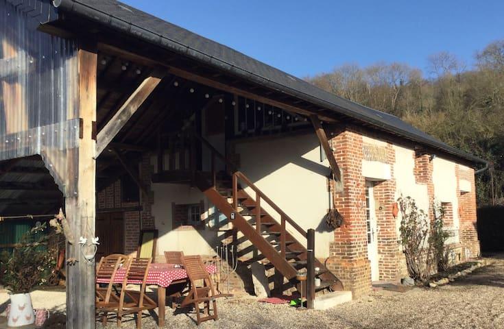 Romantic loft in beautiful village - Le Bec Hellouin