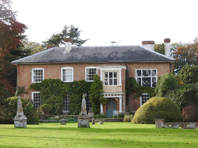 Historic Country Estate - Large Rm - Kent - Hus