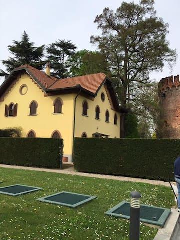 Villa nel parco, Rozzano - Rozzano