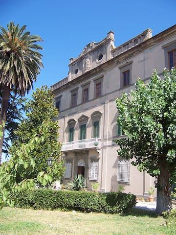 Appartamento in villa del '700 - Cascina - Lägenhet