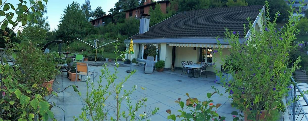 Zweibettzimmer in gemütlichem Einfamilienhaus - Pfungen - Ev
