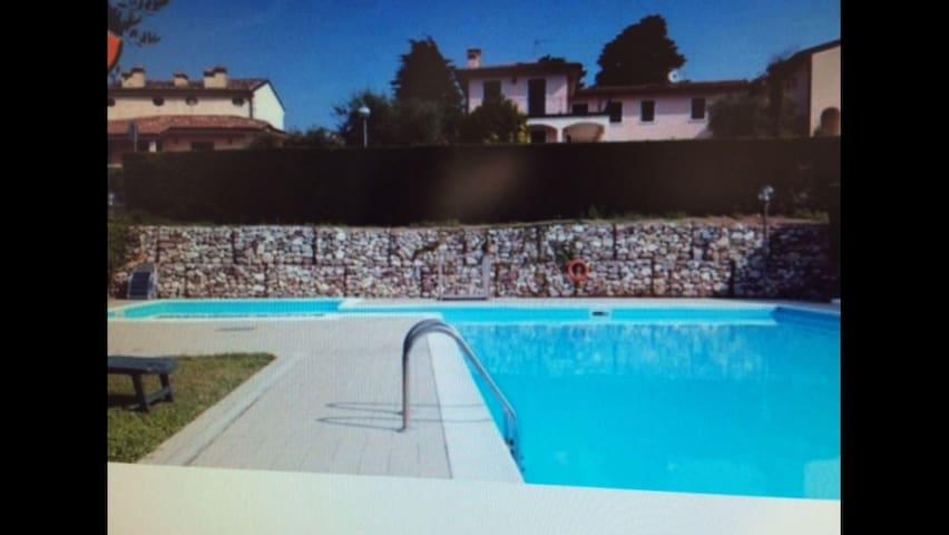 Appartamento prestigioso con grande piscina - Cavaion Veronese - Pis
