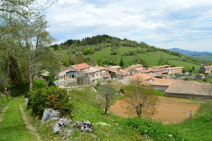 Trassoulas cottage, gorgeous views - Belcaire - Huis