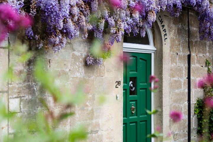 A charming Grade II listed former chapel - Bradford-on-Avon