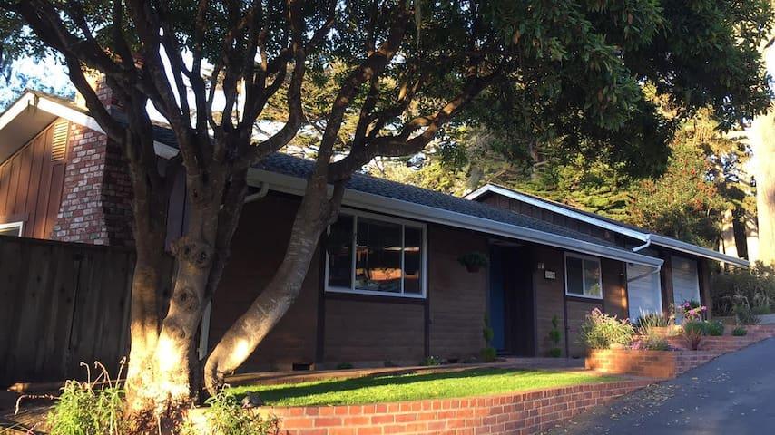 Tranquil Asilomar Retreat - Pacific Grove - Casa