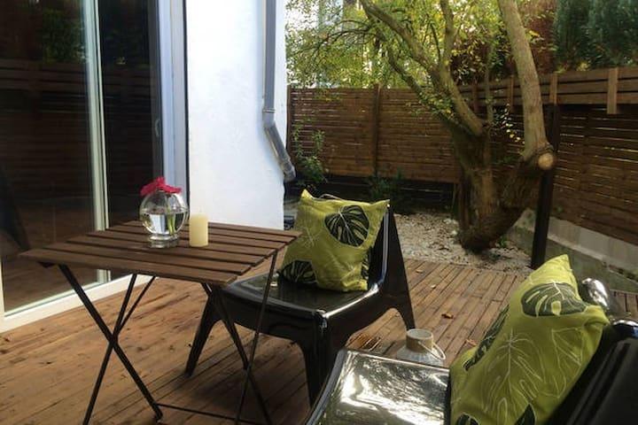 Central, stylish and cozy place / Bremer Altbau - Bremen - Hus