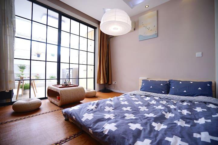 复旦、财大旁清新日式榻榻米阳光房间,高速免翻墙Wi-Fi、智能电视、游戏机、日式茶座、超明亮阳光房 - Shanghai - Apartmen