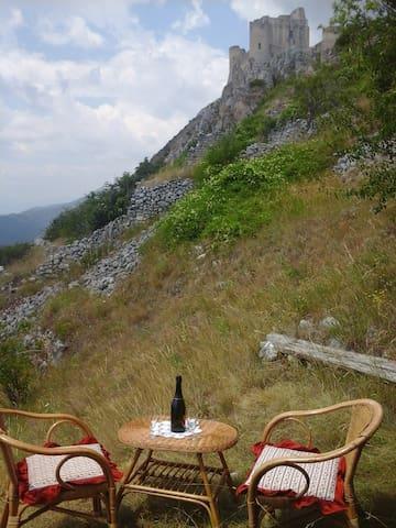 home in rocca calascio - Province of L'Aquila