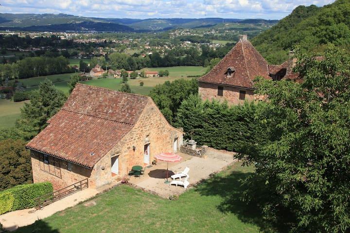 Ancienne dépendance Château Castelnau Bretenoux - Prudhomat - Rumah