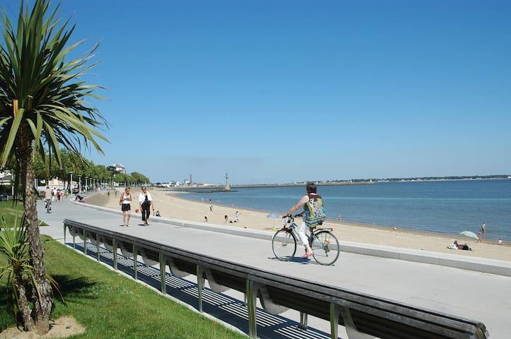 Maison-appartement proche mer et vue parc paysager - Saint-Nazaire - Leilighet