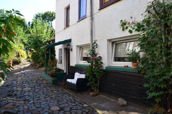 Idyllic holiday home near World Heritage site - Kassel - Apartemen