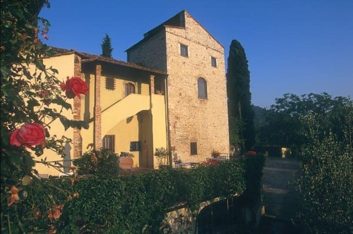 Torre delle Rose in Medieval House - Rignano sull'Arno, Florence - Appartement