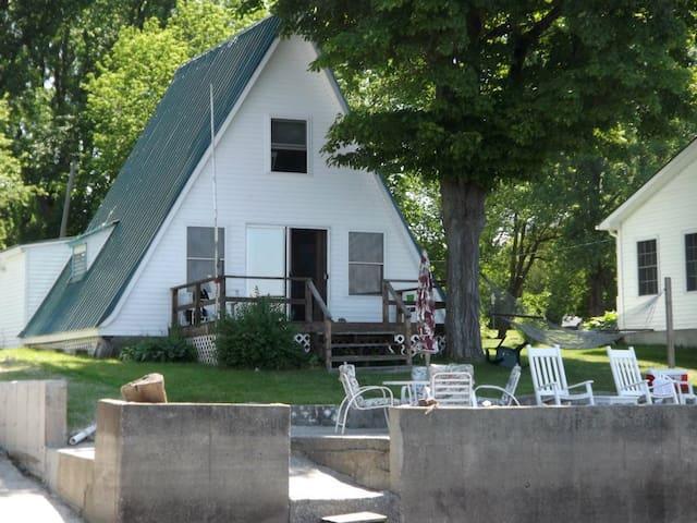 Rustic A-Frame - Alburgh - Casa de campo