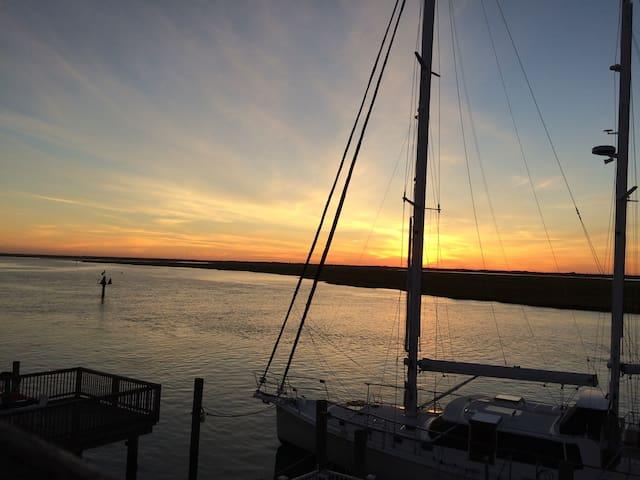"Sweet ""Waterfront"" Dreams - Sea Isle City - Hus"