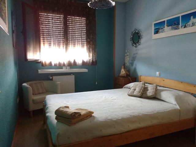 Habitación con cama de matrimonio - Valdemoro