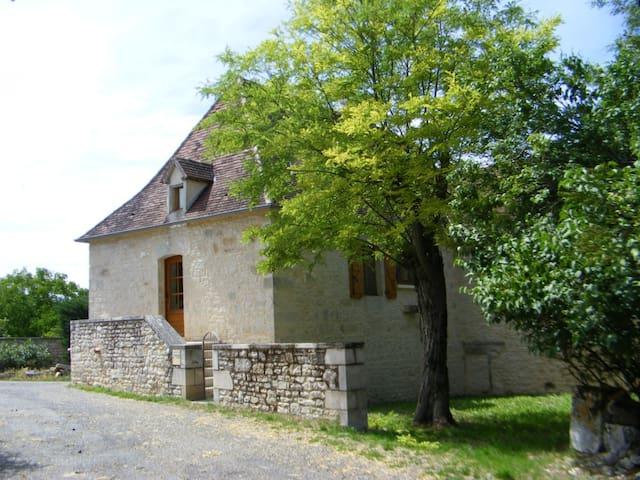 Très belle maison en pierres à BEAUMAT - Beaumat - Hus