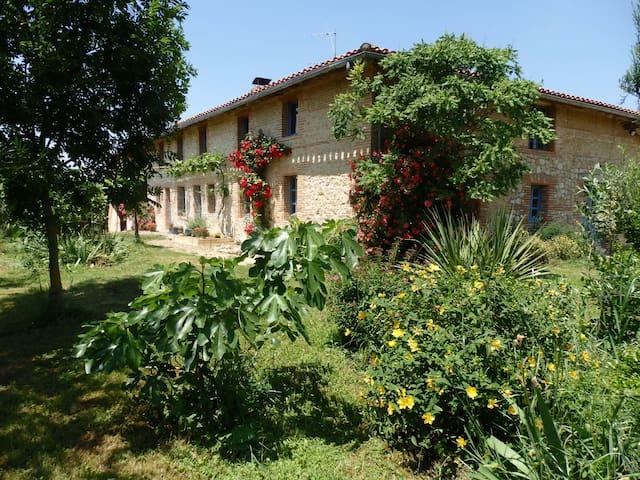 Belle maison de campagne - Montesquieu-Volvestre - Maison