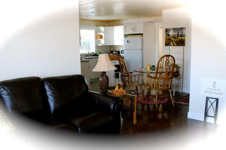 Pineapple Suite - Parksville - Hus