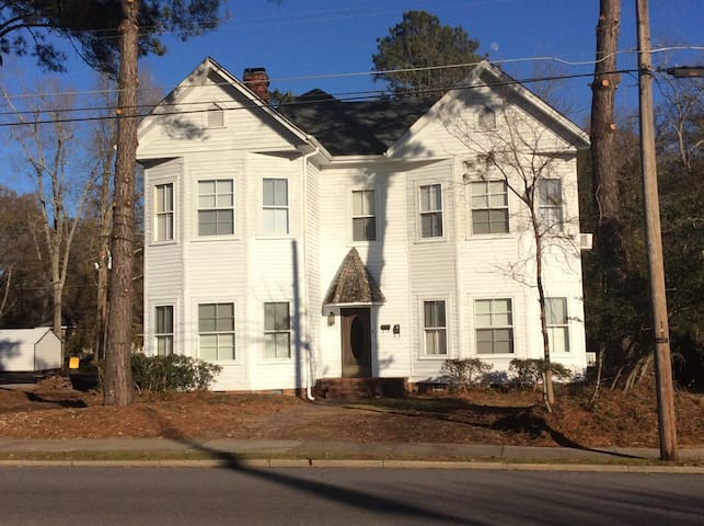 Crutchfield House Upstairs Night Week or Month - Whiteville - Casa