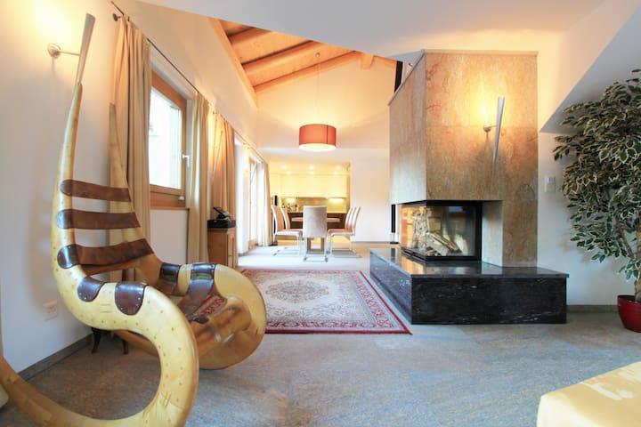 Luxurious Chalet at lake St. Moritz - Sankt Moritz - Villa