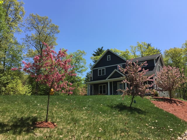 Beautiful Home with convenient location. - Windham - Huis